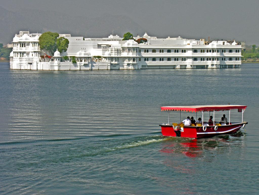 Promenade en bateau au lac Pichola
